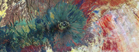 Sentinel-2B image (10 m resolution, 27.11.2017), Emi Koussi volcano, Chad, © 2017 Copernicus Sentinel Data, ESA - This Sentinel-2B false-colour image shows the Emi Koussi volcano that reaches over 3 400 metres in elevation. The volcano is the highest mountain in Chad and the highest in the Sahara.