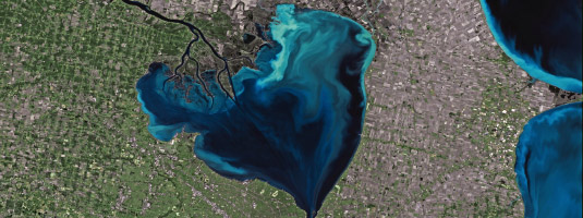 Deimos-1 image (resolution 22 m, 24.12.2016), Lake St. Clair, USA/Canada, © 2017 UrtheCast - This image shows Lake St. Clair, which connects Lake Huron with Lake Erie in the Great Lakes system and it lies between the Canadian province of Ontario and the U.S. state of Michigan.
