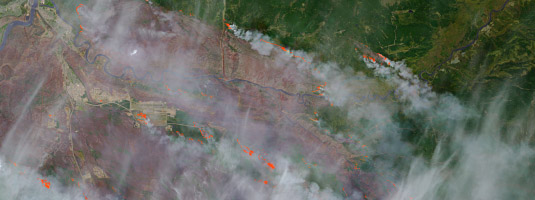 Landsat-8 image (resolution 15 m, 5.5.2016), Fort McMurray, Canada, © 2016 USGS, NASA - On May 5, 2016, the Landsat 8 acquired this image of the wildfire that burned through Fort McMurray in Canada. On May 5, the burned area spanned about 850 square kilometers.